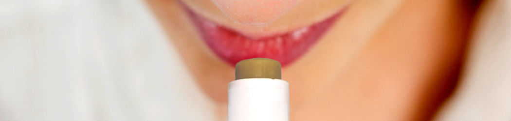 CBD LIP BALM. Lipstick or lip balm for optimal lip care with the power of the cannabis plant. Without THC.
